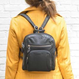 sød lille rygsæk i sort lammeskind
