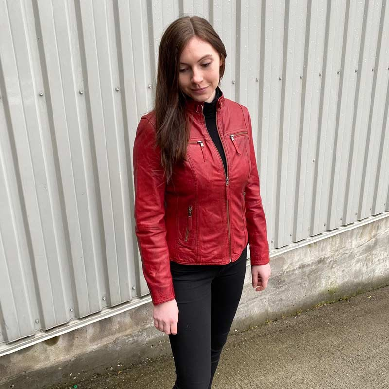 Rød skindjakke i blød lammeskind - Sporty design - God pasform
