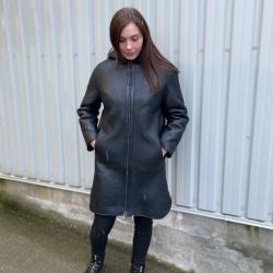 Lina dame rulamsjakke - Mellemlang med hætte - Freja skind